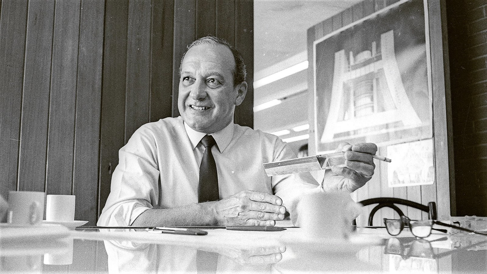 Bernardes - The Life & Work of A Brilliant Brazilian Architect