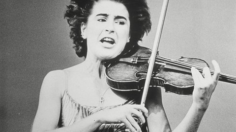 Speaking In Strings - Italian Violinist Nadja Salerno-Sonnenberg